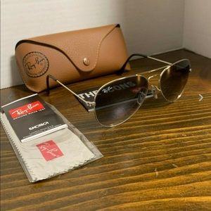 Ray-Ban Sunglasses Aviator Grey Gradient Lens 55mm